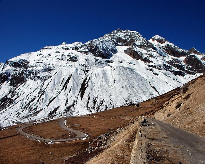 The road through Lachung Valley is among the major attraction while Gangtok sightseeing