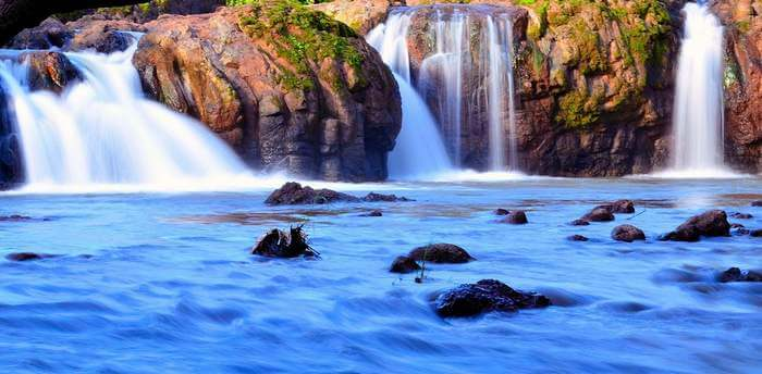 The shimmering Lingamala Falls are considered to be one of the best places to see in Mahabaleshwar