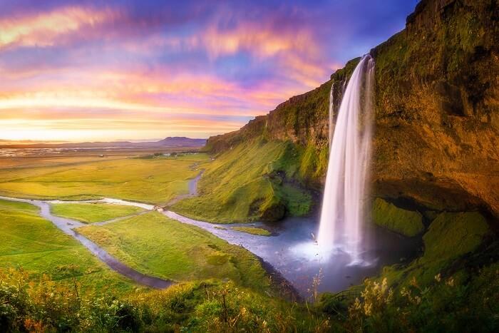 iceland waterfalls beautiful