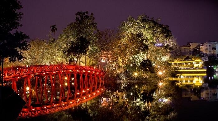 beautiful romantic spot of Hanoi