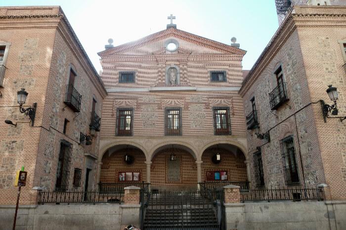 Iglesia de San Gines de Arles