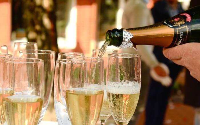 Festival Serve Champagne