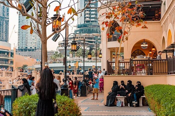 dressing in Dubai