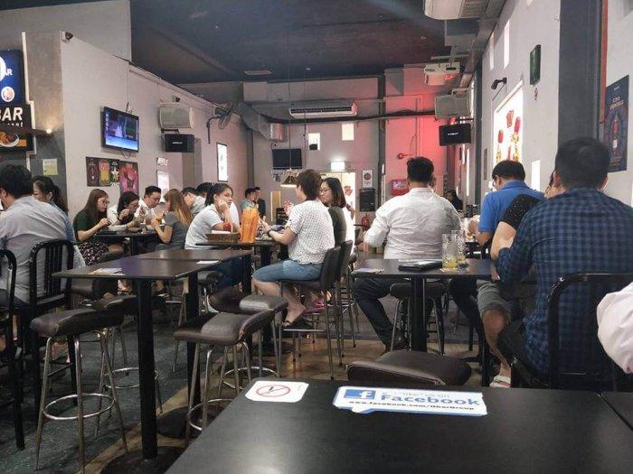 people chilling at o bar